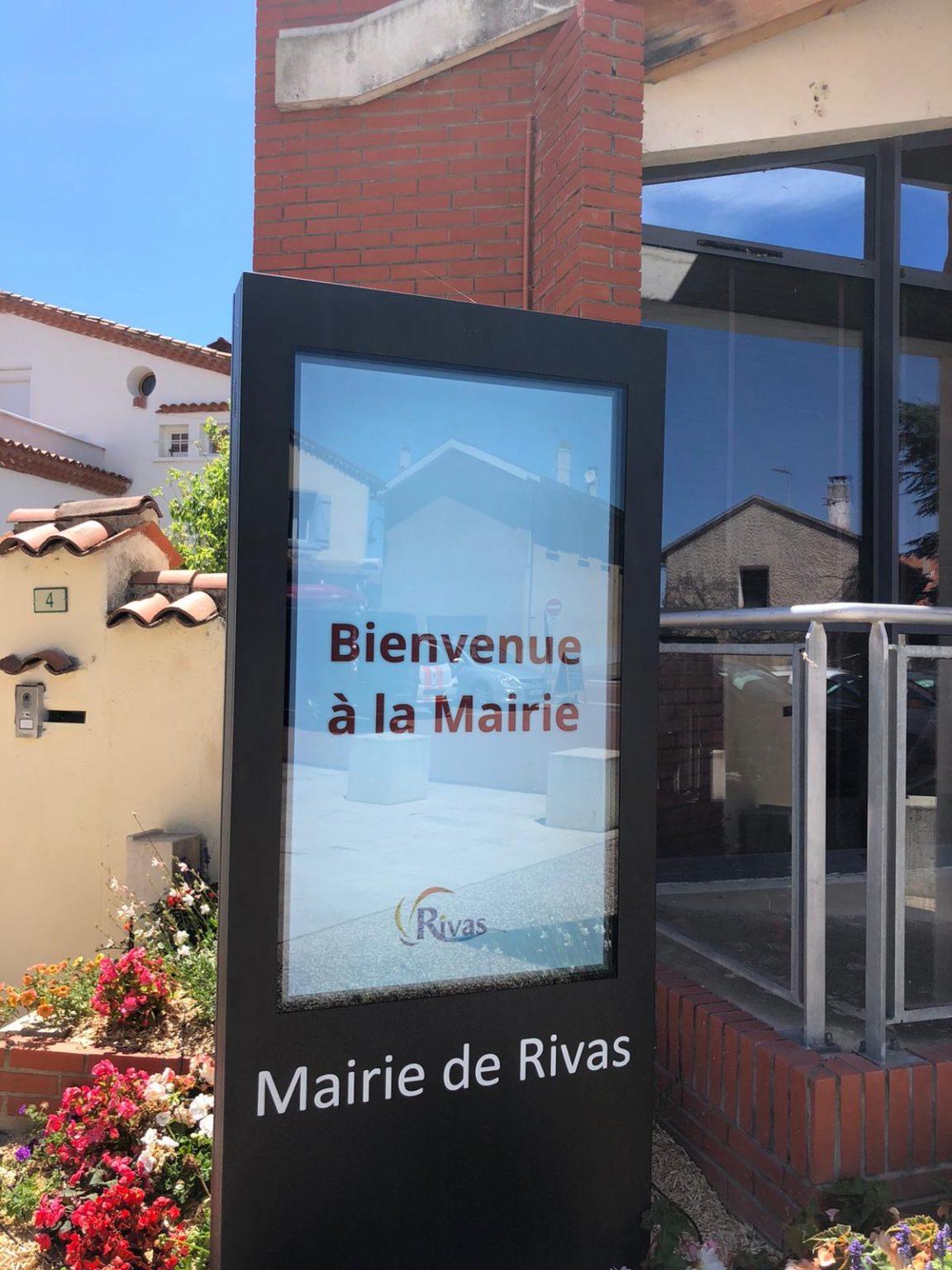 écran tactile pour affichage mairie